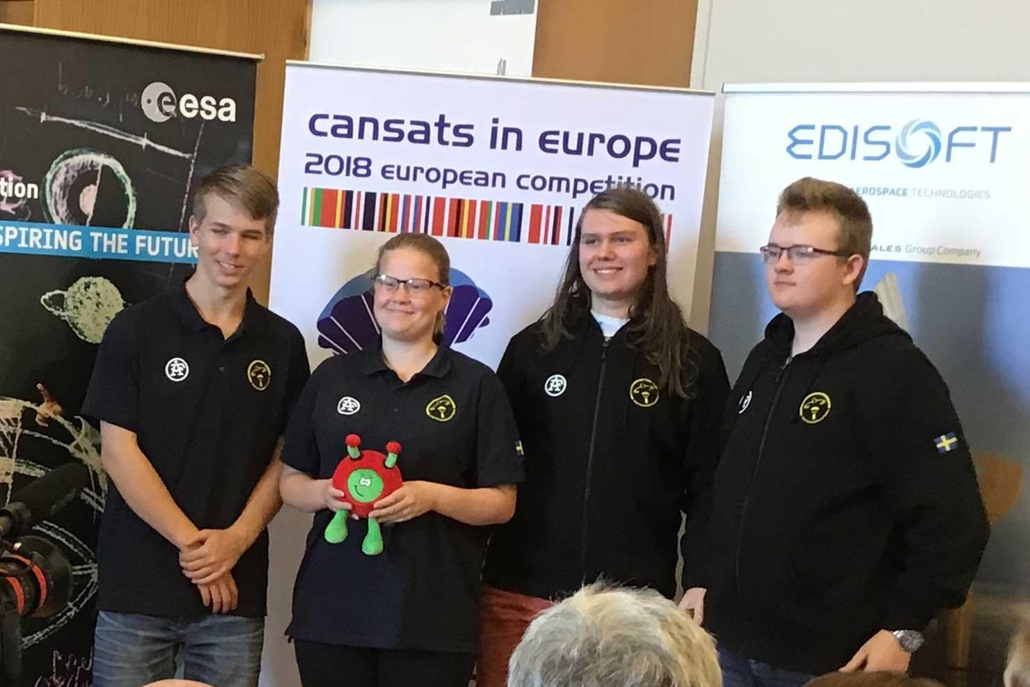 Svenska elever byggde satellit i Azorerna