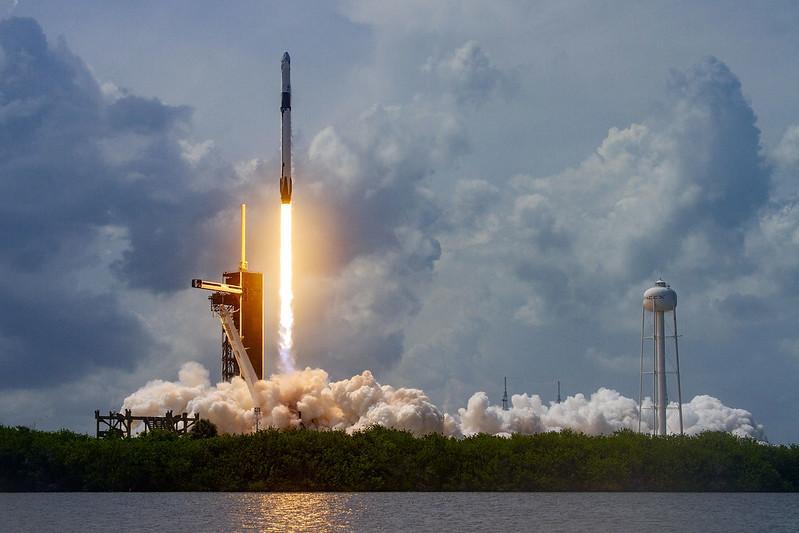 Lyckad uppsändning men även ett bakslag för SpaceX i helgen