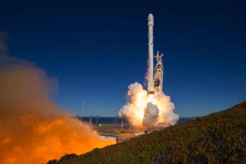 Lyckad uppsändning av SpaceX obemannade Falcon 9-raket
