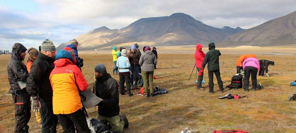 Res till Svalbard och undersök klimatförändringar