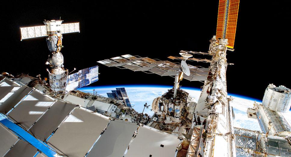 Panorama av den internationella rymdstationen