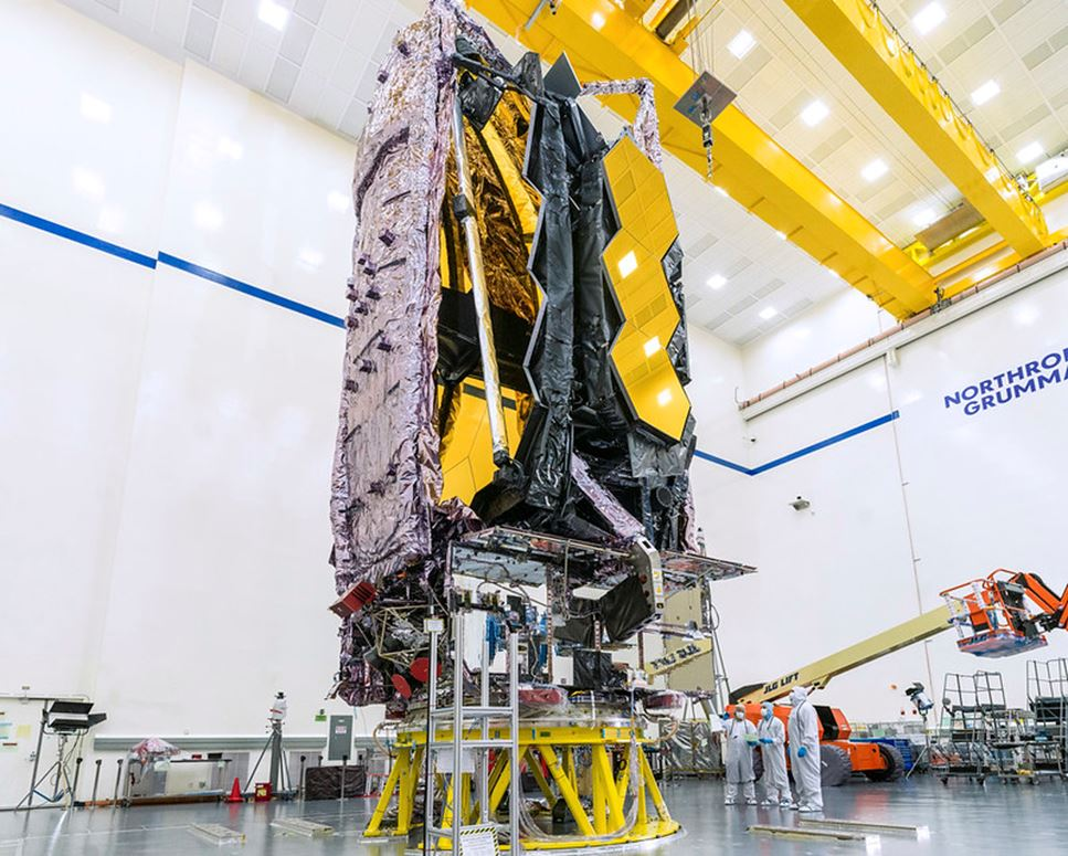 James Webb rymdteleskop packat för resa