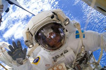 Hur är det att sväva i rymden – och på jorden?