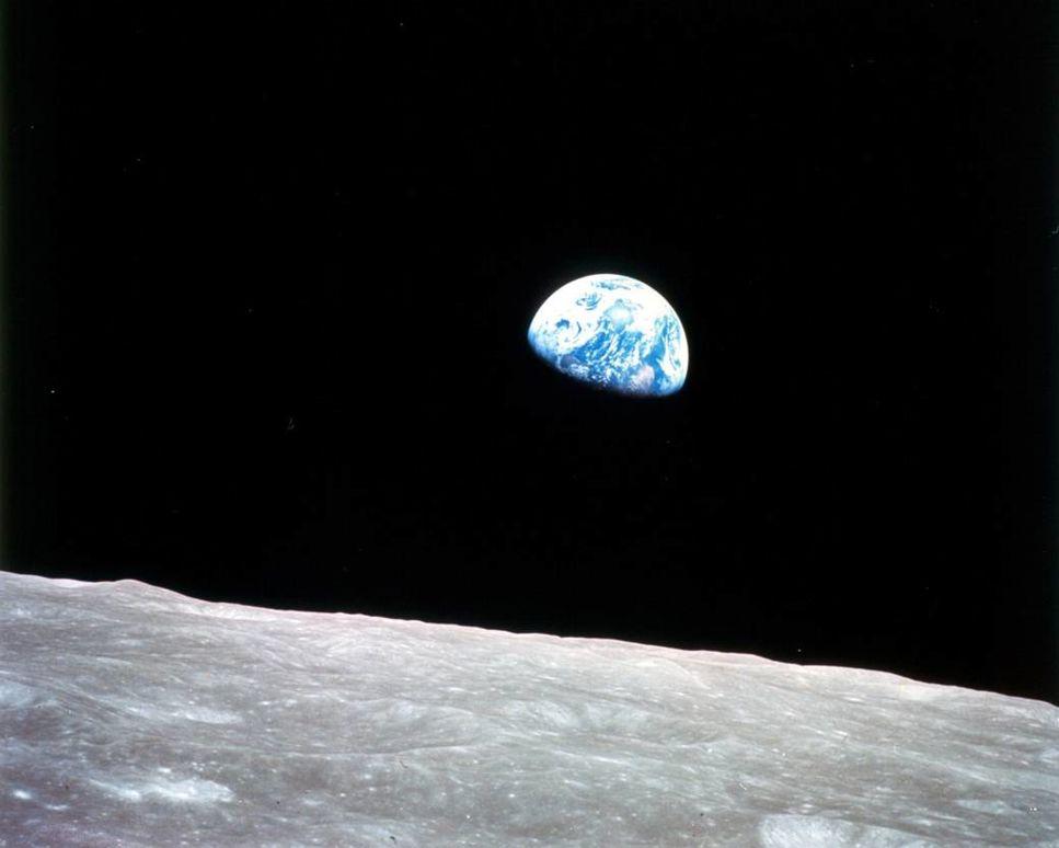Fotografiet Earthrise utses till en av århundradets bilder