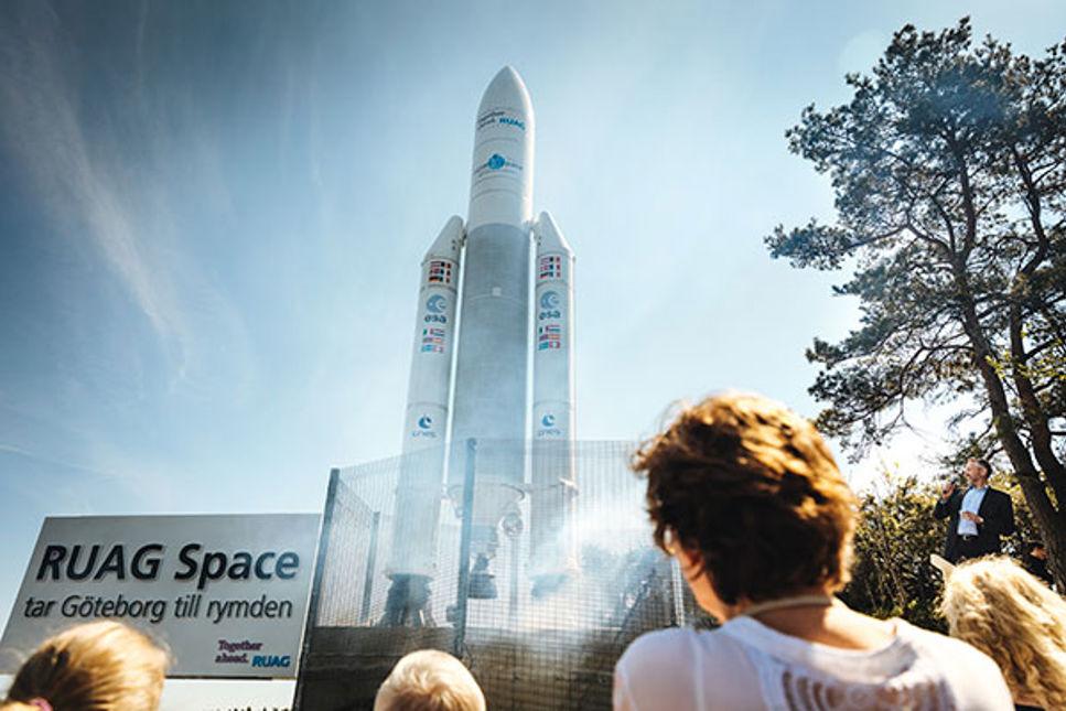 RUAG Spaces tio meter höga raket i Göteborg