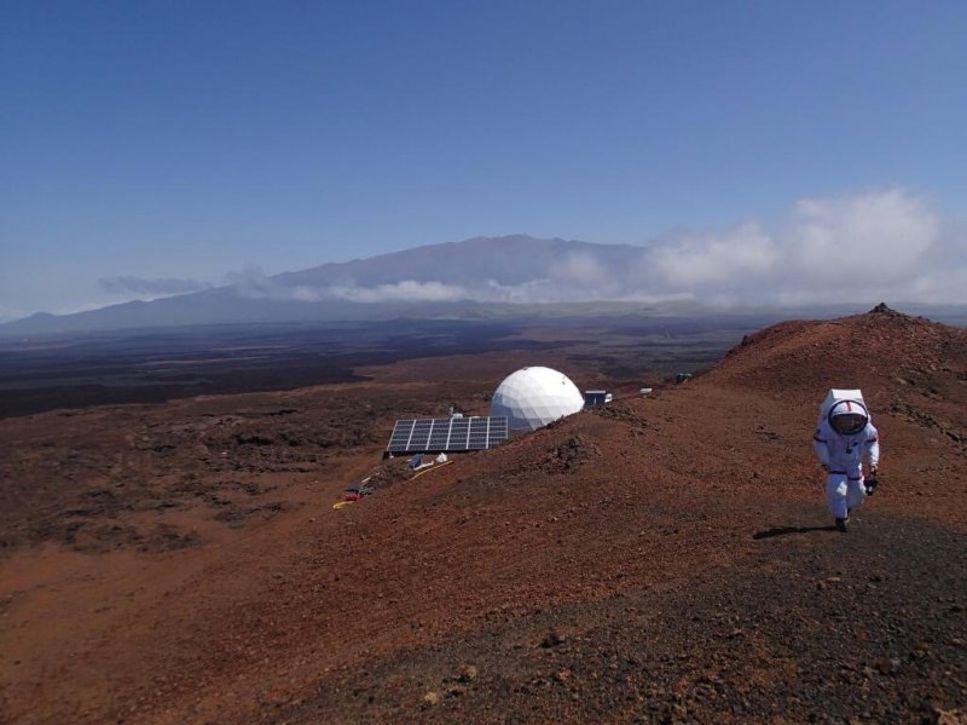 I projektet HI-SEAS på Hawaii har sex deltagare suttit isolerade under en längre tid för att simulera en Marsresa.