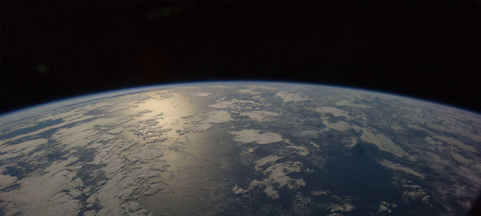 Rymden människan och satelliter
