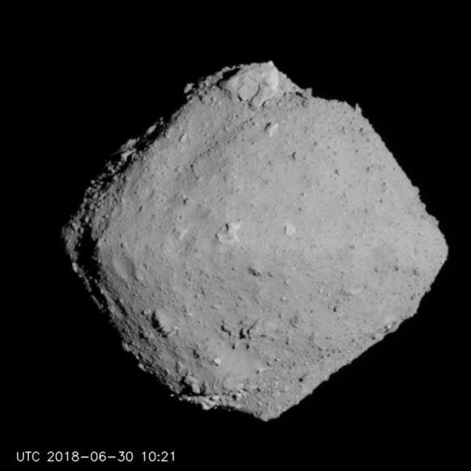 Vad kan vi lära oss genom att skjuta på en asteroid?