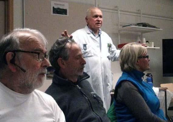 Professor Peter Stojka och några av deltagarna i testet