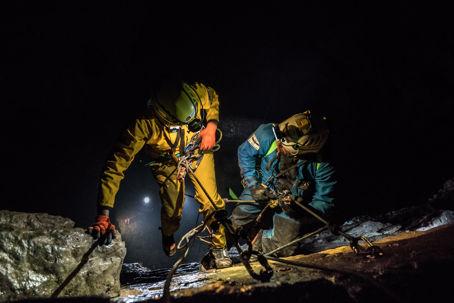 Astronauter i grotta
