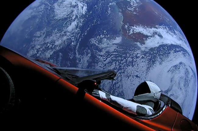 Nördig rymdunderhållning på säkert avstånd