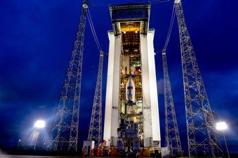 Satelliten Sentinell-2A står redo för uppsändning på en rymdbas i Kourou i Franska Guyana.