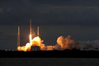 Falcon 9 raket skjuts iväg från Florida Cape Canaveral Air Force Station den 6 januari.