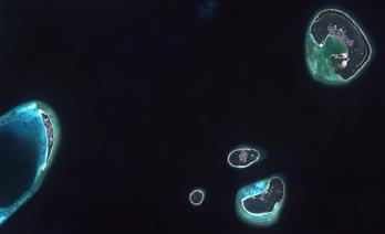 Maldiverna från rymden.