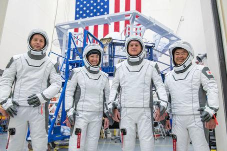 Besättningen för Alpha-uppdraget iklädda Space X:s rymddräkter inför avfärd till Rymdstationen ISS. Från vänster: Thomas Pesquet, Megan McArthur, Shane Kimbrough och Aki Hoshide.