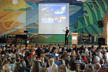 Christer Fuglesang har besökt 25 000 elever under tio skolturnéer i Sverige