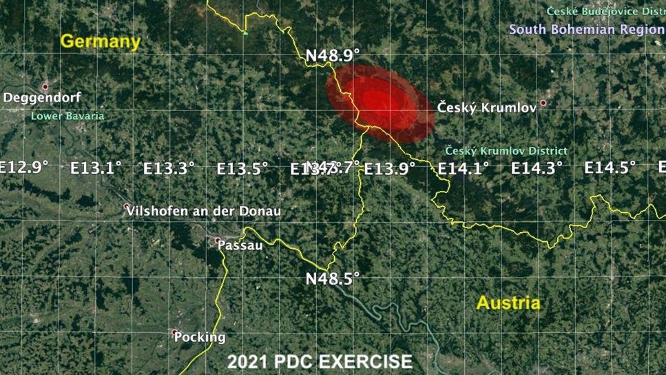 Fiktiv bild från NASA:s krisövning som visar var risken är störst för påverkan från asteroiden.