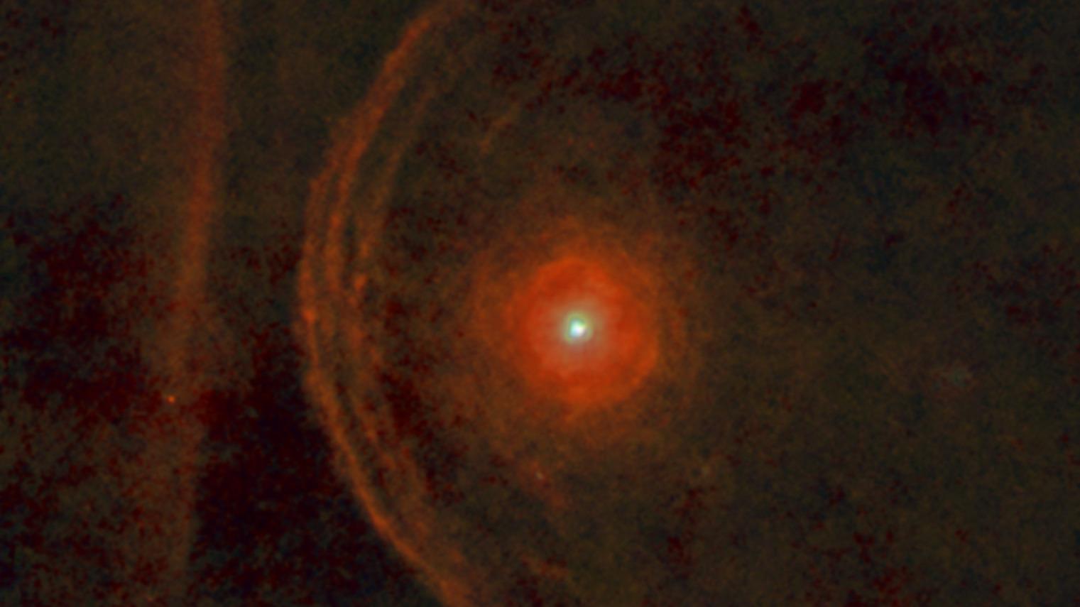 Stjärnan Betelgeuse lyser med full ljusstyrka igen