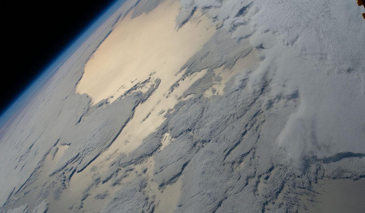 Jordens horisont sett från den internationella rymdstationen, ISS.