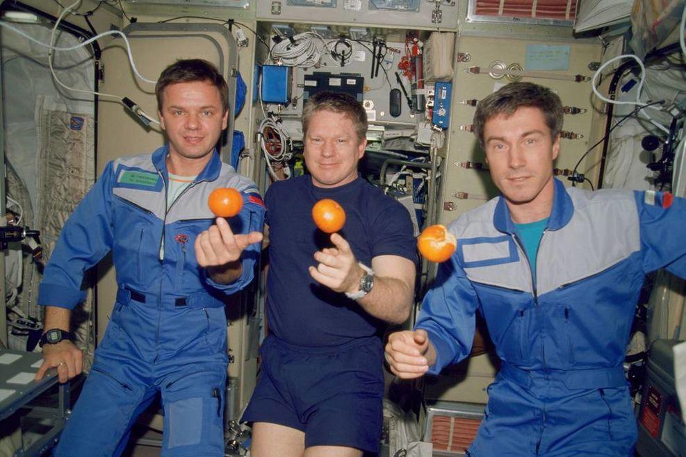 Tre första besökarna på ISS